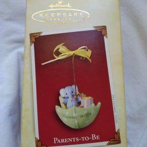 "Hallmark Keepsake ""Parents To Be"" Ornament"